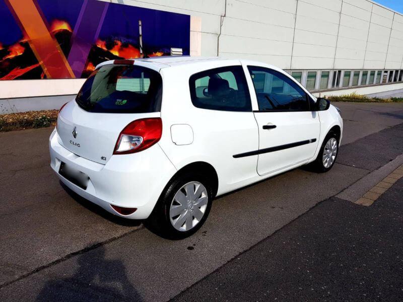 Rent a car Beograd Clio Renault